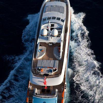 Aurelia Yacht Overhead
