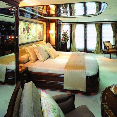 Jasmine Yacht Master Stateroom - Side