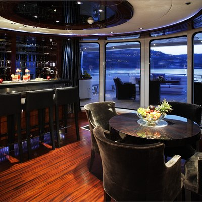 Talisman Maiton Yacht Main Saloon bar Area