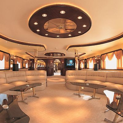 Golden Head Yacht Main Salon - Overview