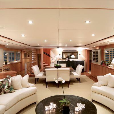 Envy Yacht Main Saloon