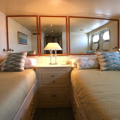 Bahama Yacht
