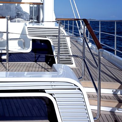 MITseaAH Yacht Deck