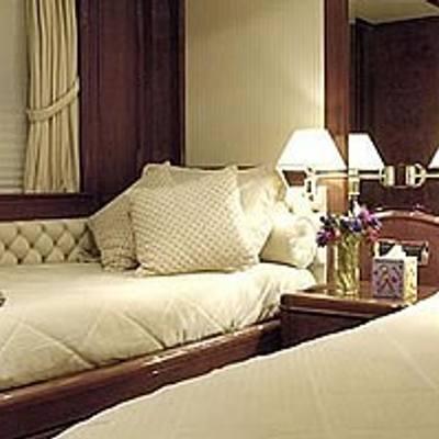 Accama Yacht Twin Stateroom