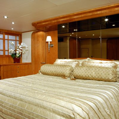 Lady Deanne V Yacht