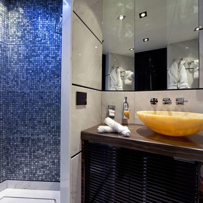 Seven S Yacht Shower Room