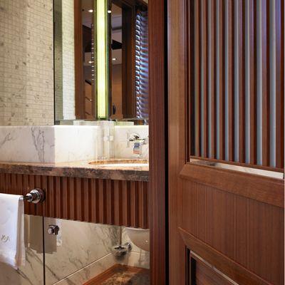 Kathleen Anne Yacht Bathroom - Detail
