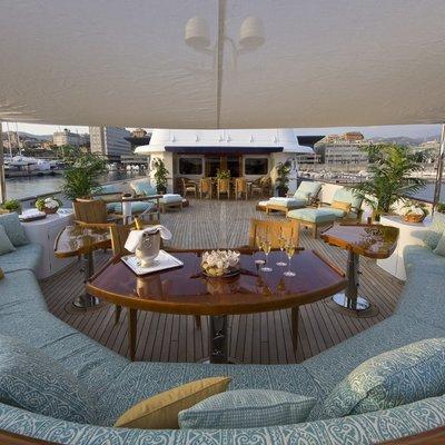 Legend Yacht Bridge Deck Circular Seating