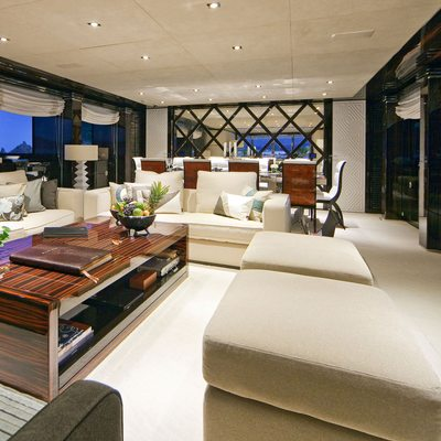 Seven S Yacht Main Salon