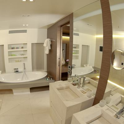 Ipanemas Yacht Master Bathroom
