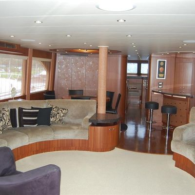 Jus Chill'N' Yacht