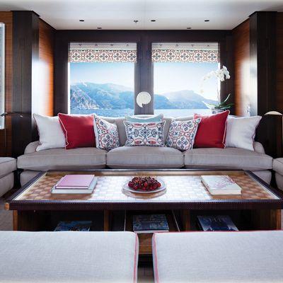 Baton Rouge Yacht Main Deck - Coral Lounge