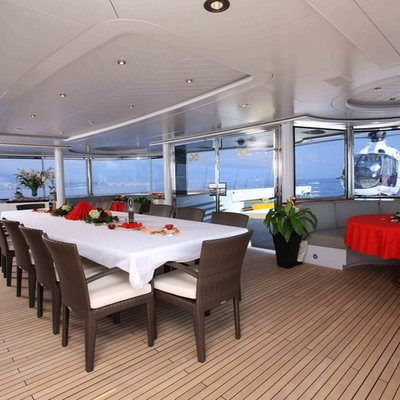 Nomad Yacht External Dining - Evening