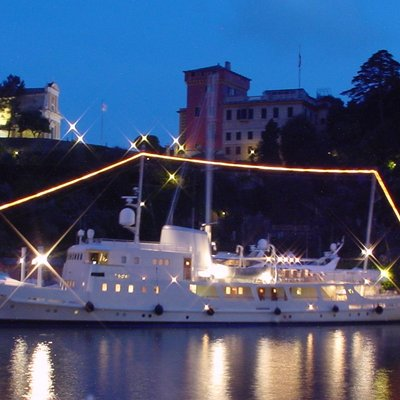 Dionea Yacht Profile - Night
