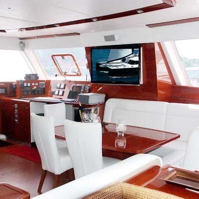 Catsy Yacht