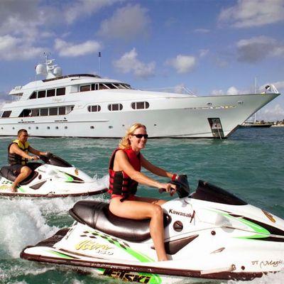 Attitude Yacht Water Skis