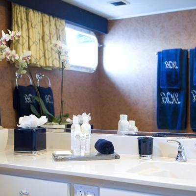 DOA Yacht Bathroom - Detail