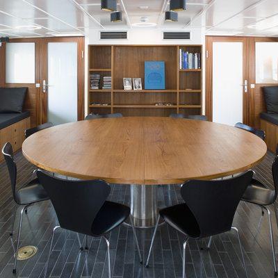 Navigator Meeting Room