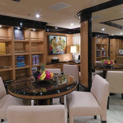 Meamina Yacht Lounge