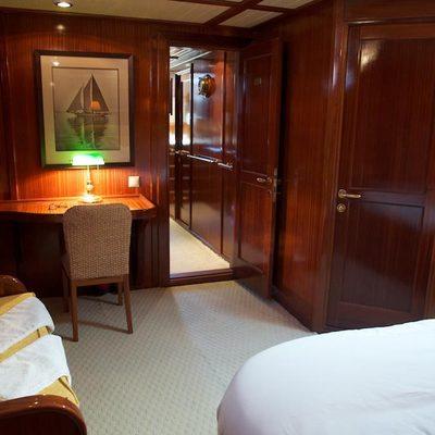 Smart Spirit 1 Yacht