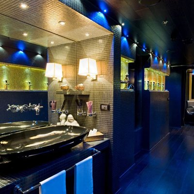 Force Blue Yacht Spa Hallway