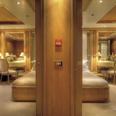 Marla Yacht Guest Foyer