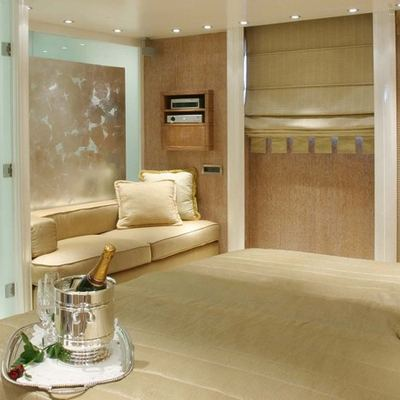 Elegant 007 Yacht Guest Double Stateroom