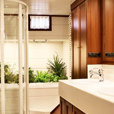 Aiglon Yacht Bathroom