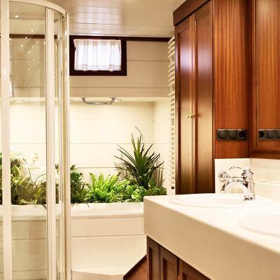 Aiglon Yacht Bathroom