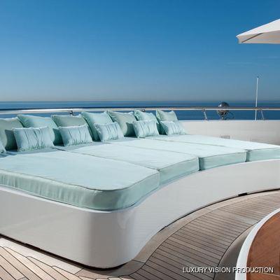 Boadicea Yacht Sundeck - Sunpads