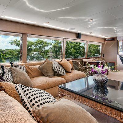 Andiamo Yacht Salon - Overview