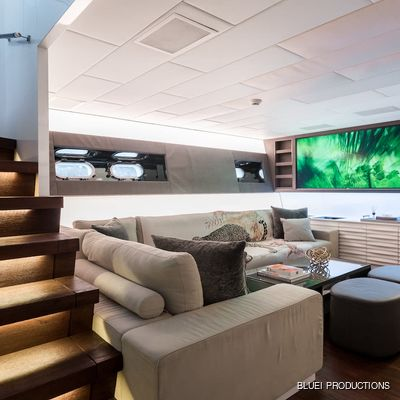Beachouse Yacht Lounge