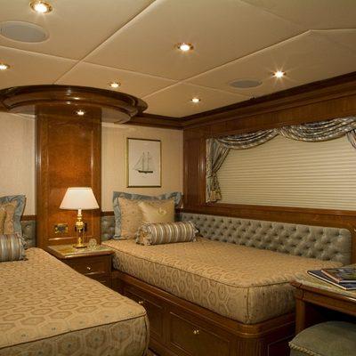 Aquasition Yacht Twin Stateroom