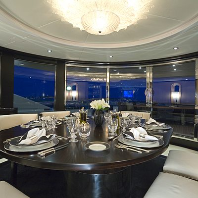G Force Yacht Dining Table