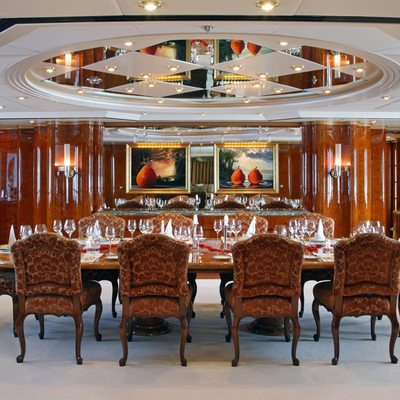 Capri I Yacht Dining Salon - Table