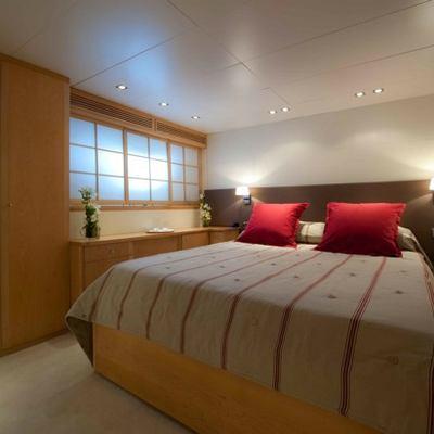 Palm B Yacht VIP Stateroom