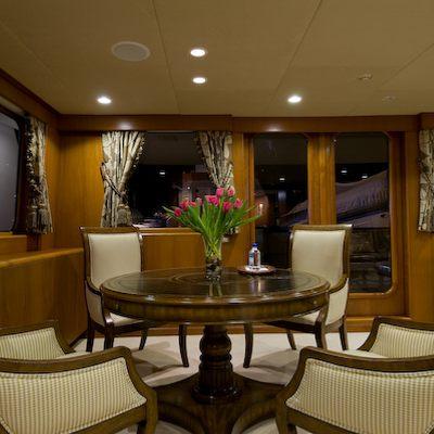 Sea Falcon II Yacht Skylounge
