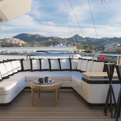 Liquid Sky Yacht Seating