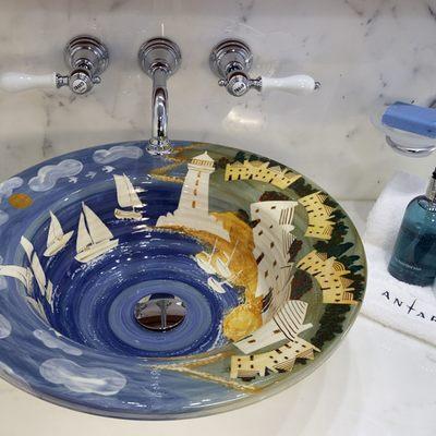 Antara Yacht Bathroom - Detail