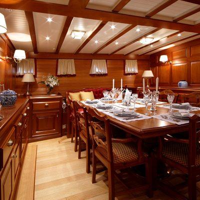 Elena Yacht Dining Table