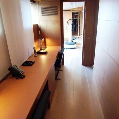4A Yacht Office Area