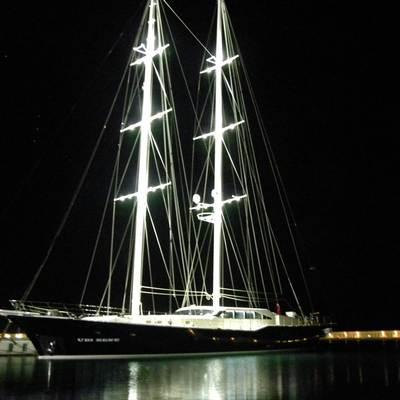 Ubi Bene Yacht Night Shot