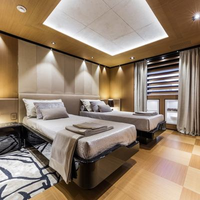 Suerte Yacht Twin Stateroom
