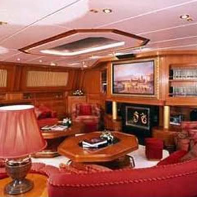 Andromeda la Dea Yacht Salon