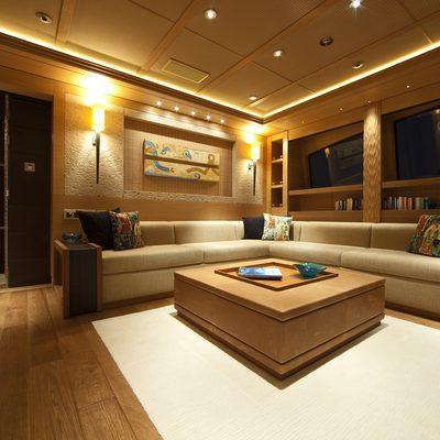 Naia Yacht Master Lounge
