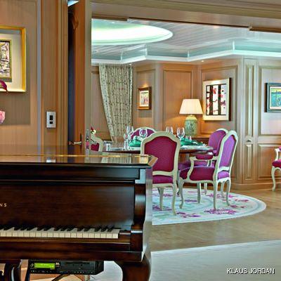 Bella Vita Yacht Dining & Piano