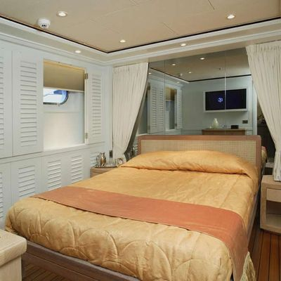 Perle Bleue Yacht Guest Stateroom
