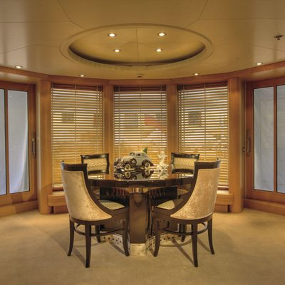 Marla Yacht Upper Salon - Table