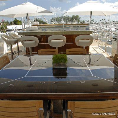 Impromptu Yacht Sundeck Dining & Wet Bar