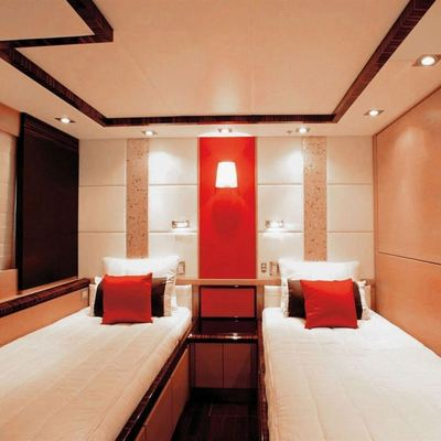 Dragon Yacht Twin Stateroom
